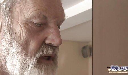 Một người đàn ông thức dậy với một sai sec gai lon to lầm và một con gái đáp ứng hahala